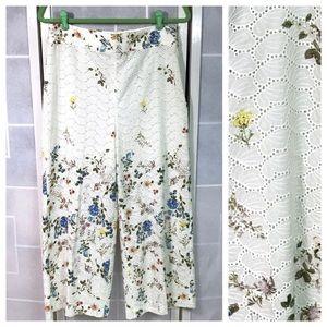 💥 Zara Woman cropped floral print eyelet pants L